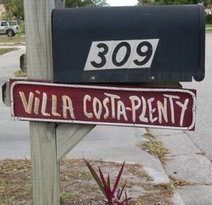 Villa Costa-Plenty Mailbox